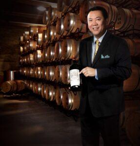 Dr. Clinton Lee - Director Ejecutivo de los cursos en línea de vinos y licores de APWASI